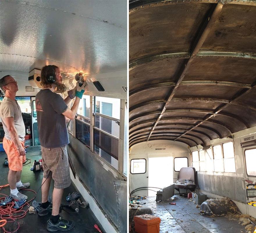 Шмидт и его отец потратили 3 месяца и 9000 долларов США, что бы переделать автобус в автодом