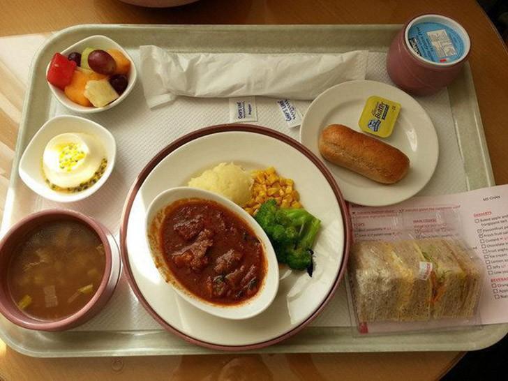 Чем кормят в больницах разных стран