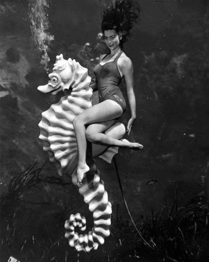 Пин-ап фотосессия под водой 1938 года