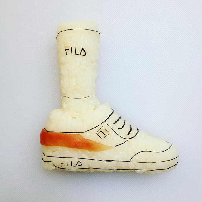 Суши в форме обуви