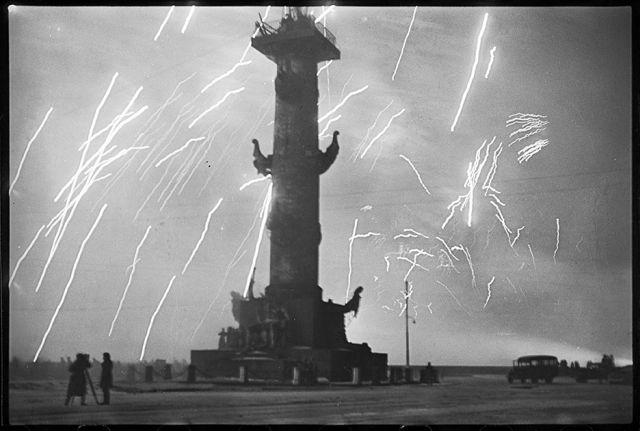 Салют в Ленинграде. Ленинградский фронт, 27 января 1944 года: