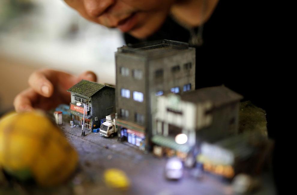 Тайваньский художник создаёт жизнь которая его окружает в миниатюрных моделях
