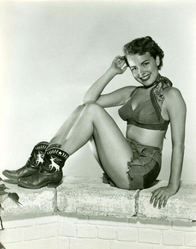 Гламурные фотографии Терри Мур 1940-50-х годов