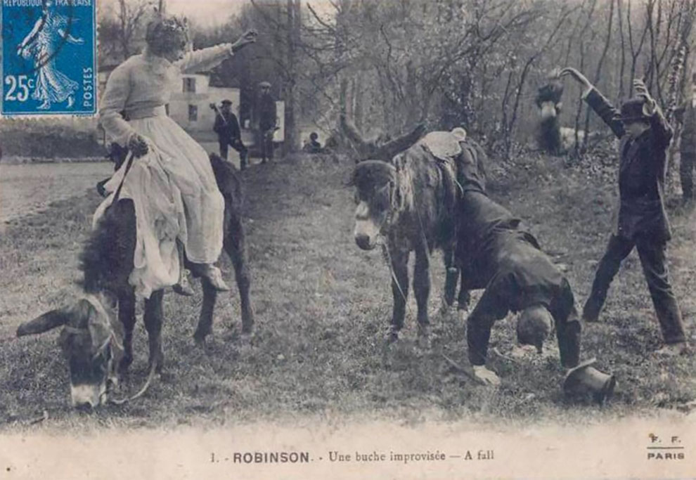 Забавные старинные открытки изображают людей, падающих с ослов в Ле-Плесси-Робинсон, Франция, примерно 1900 г.