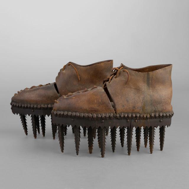 Любопытная пара обуви конца XIX века под названием «Soles» Ardèche