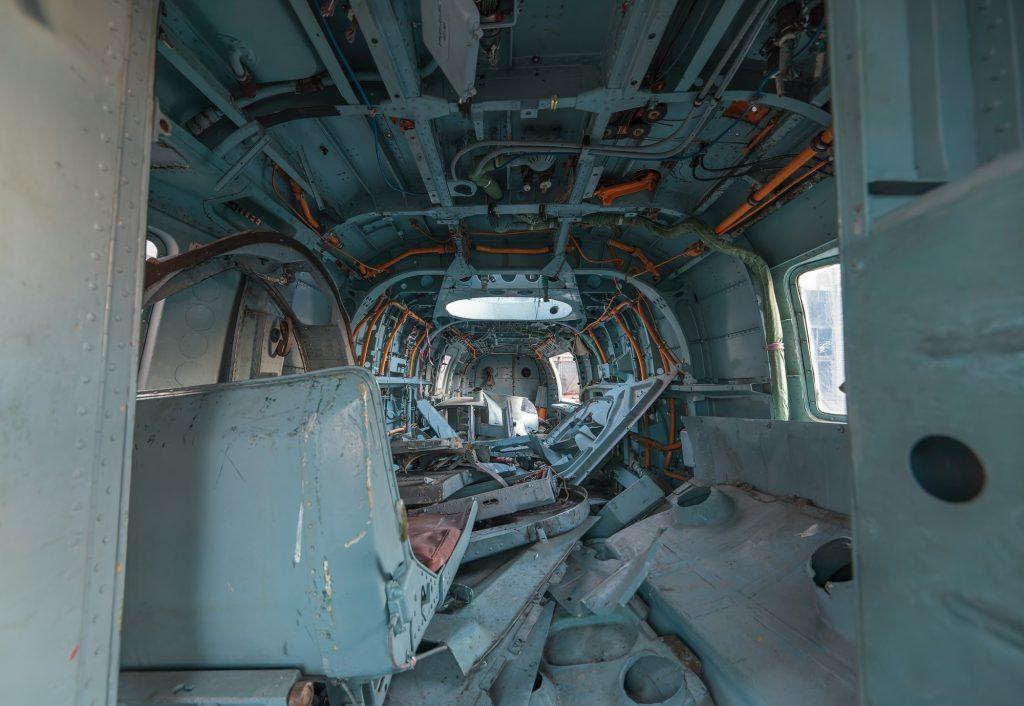 Полуразобранные вертолеты Ка-29 и Ка-27