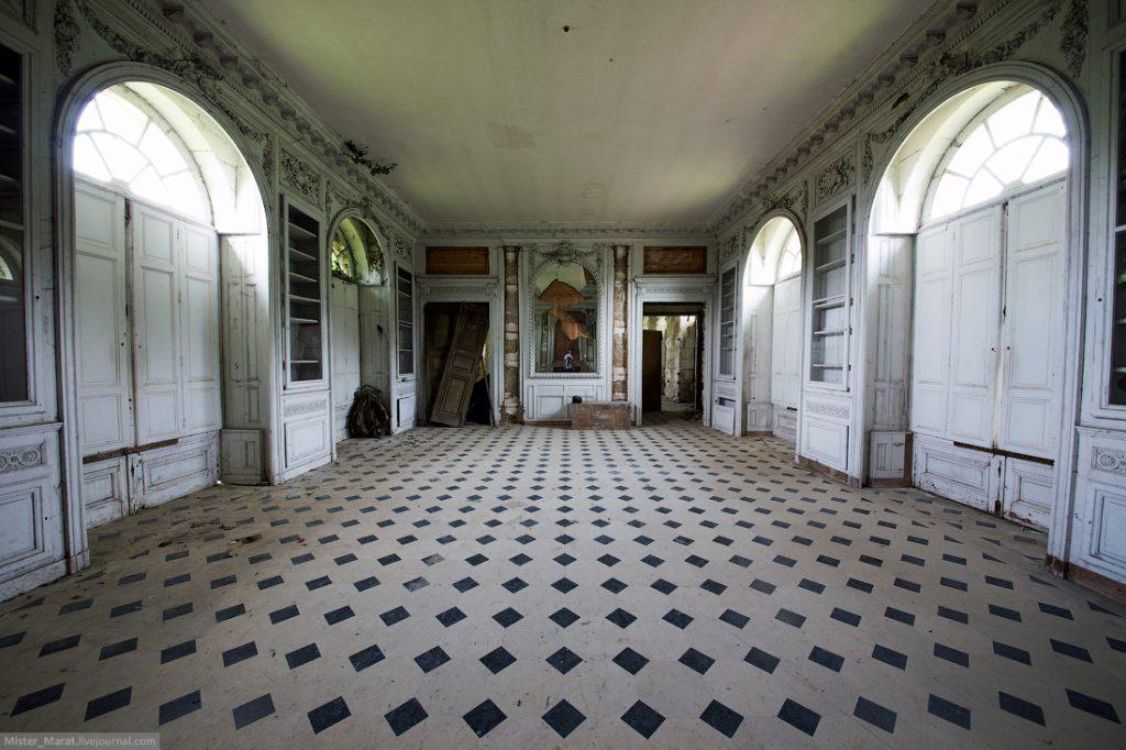 Заброшенные замки во Франции
