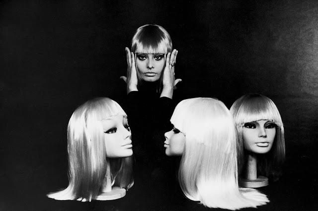 Софи Лорен в разноцветных париках для Vogue, 1970 год