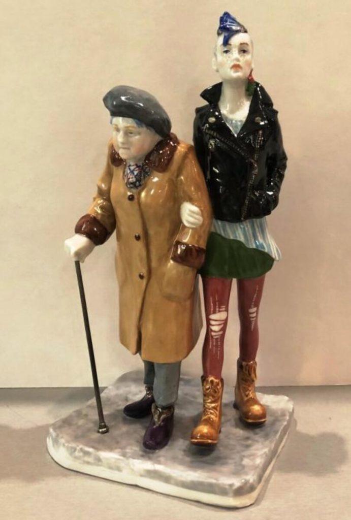 Фарфоровые статуэтки с советским настроением