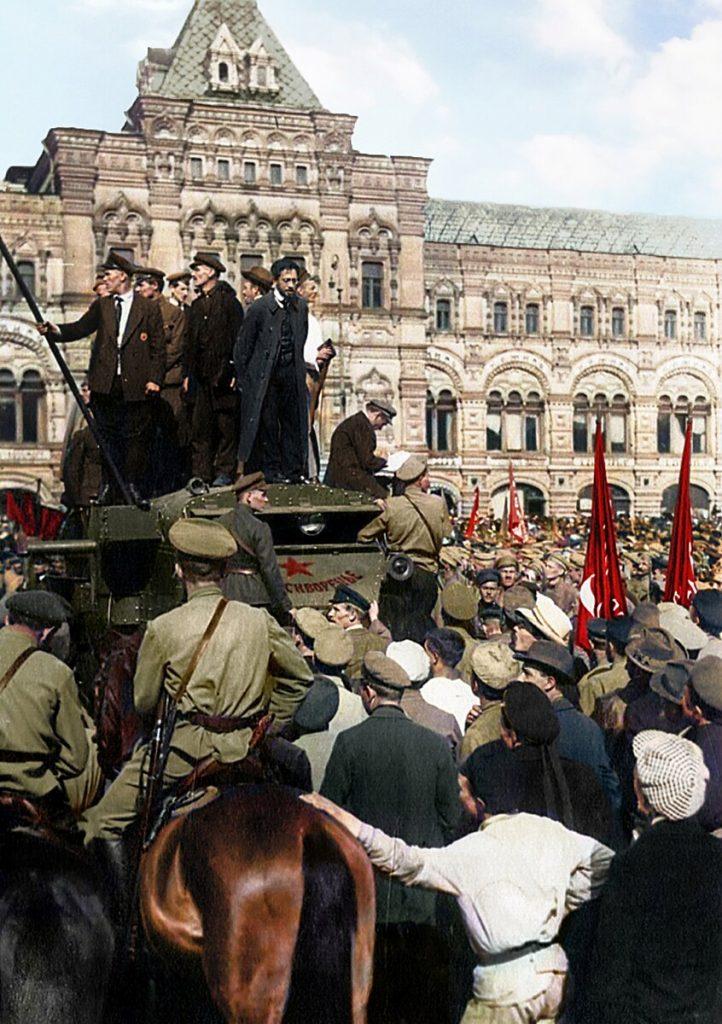 Советская Россия после Октябрьской революции: раскрашенные фотографии