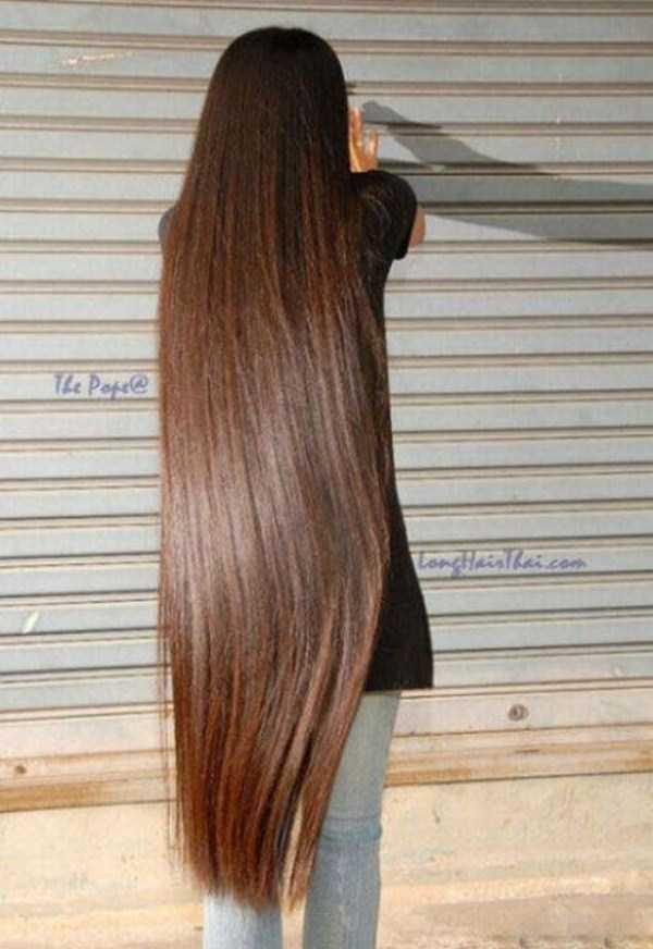 Девушки с невероятно длинными волосами