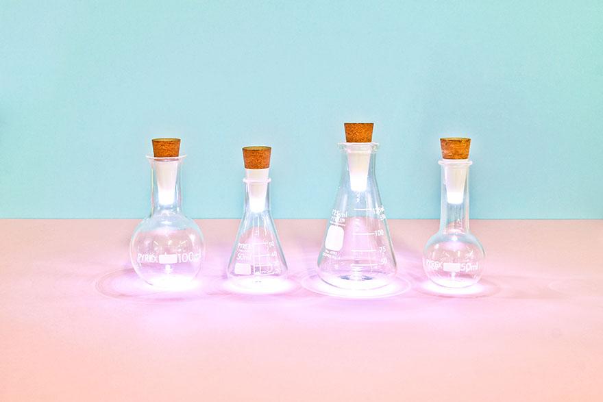 Старые бутылки светильники с светодиодными пробками