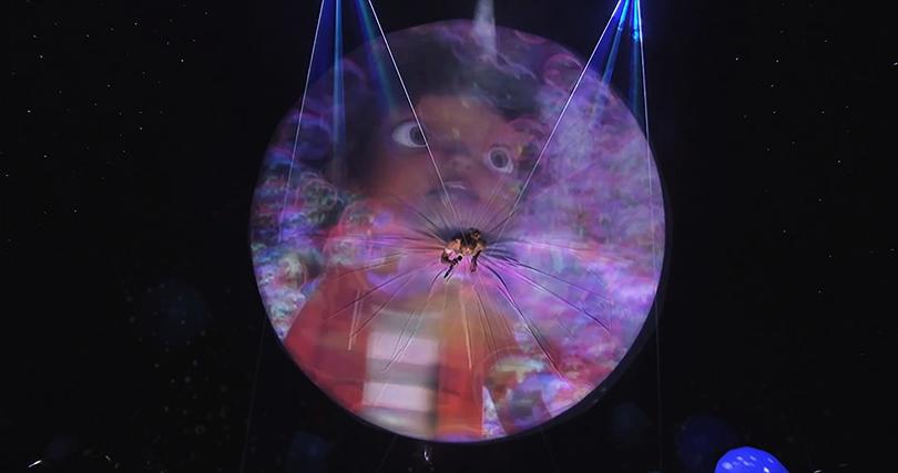 """Выступление на """"American Idol"""" с песней """"Feel The Light"""""""