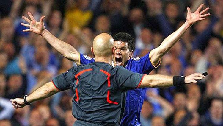 referee9
