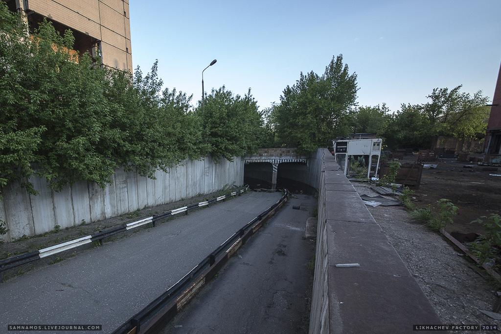 В настоящее время тоннели затоплены и не используются.