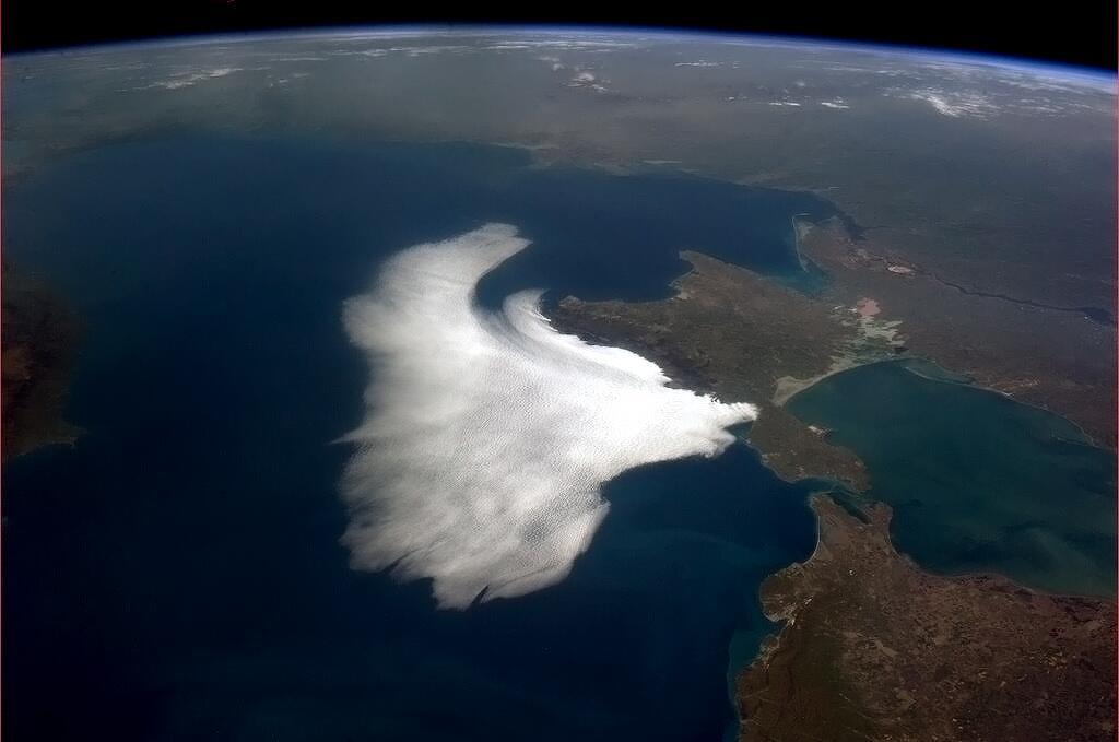 Каспийское море - Дагестан, Калмыкия, Астраханская область (371 000 км²)