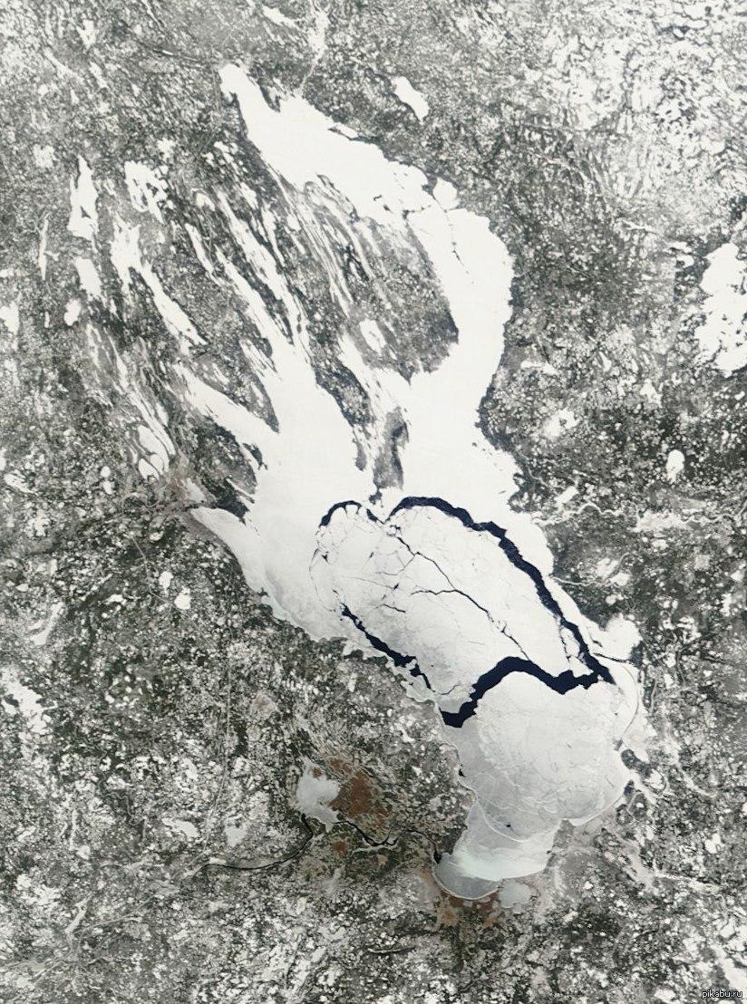 Онежское озеро - Республика Карелия, Ленинградская область, Вологодская область (9 616 км²)