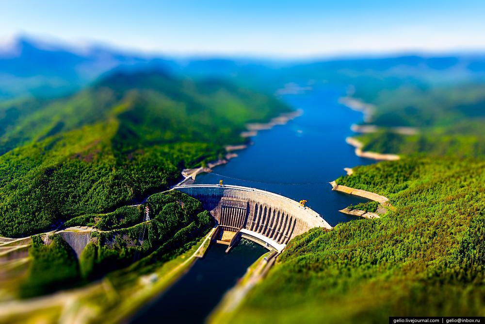 Саяно-Шушенская ГЭС — крупнейшая электростанция России.