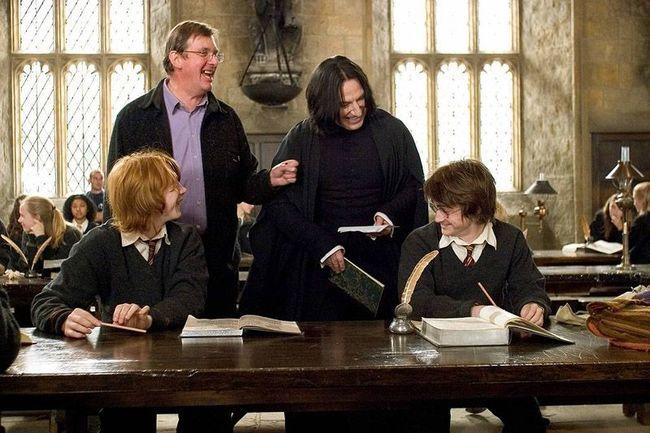 Руперт Гринт, Дэниэл Рэдклифф, Алан Рикман, Майк Ньюэлл доказывают, что Гарри и Снейп на самом деле не могут дружить.