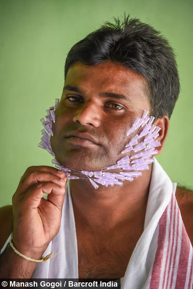 Человек подушка для иголок