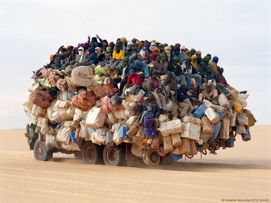 16 перегруженных транспортных средств
