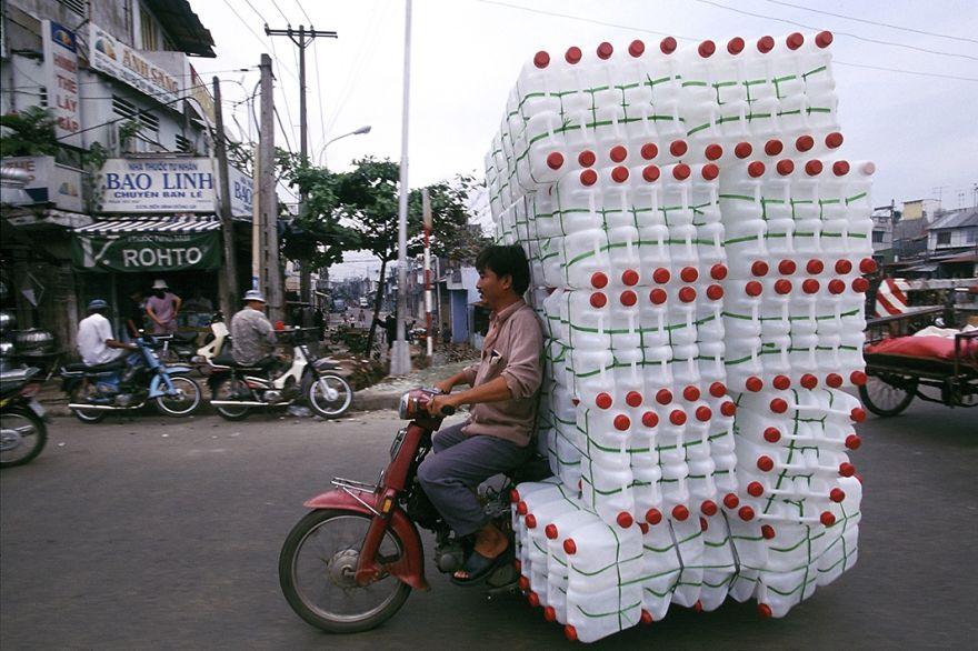 Мотоцикл с пластиковыми бутылками