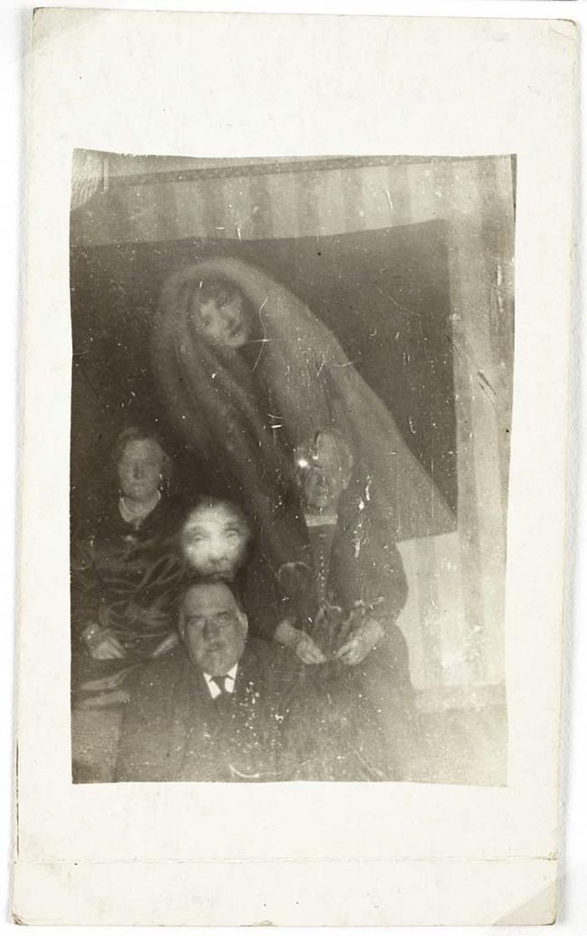 Викторианские фотографии: Привидения
