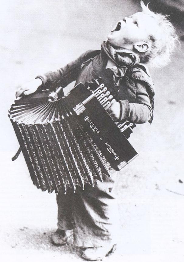 Молодой музыкант, 1920г.