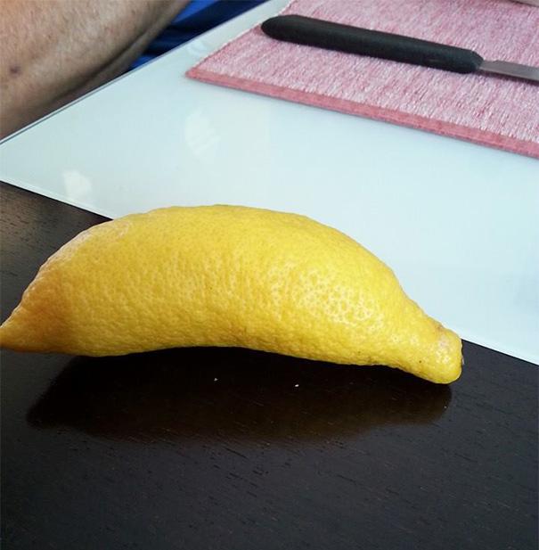 Лимон выглядит как банан