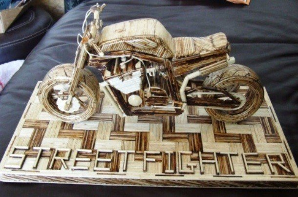 Мотоцикл из спичек.