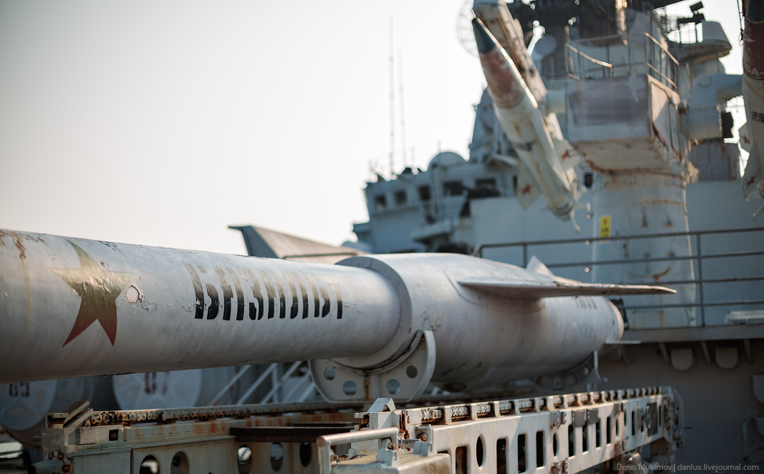 the_aircraft_carrier_Minsk_21