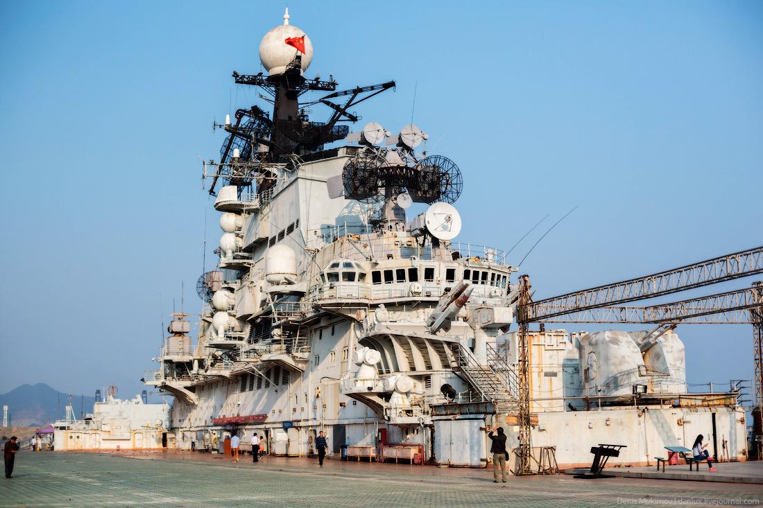 the_aircraft_carrier_Minsk_4