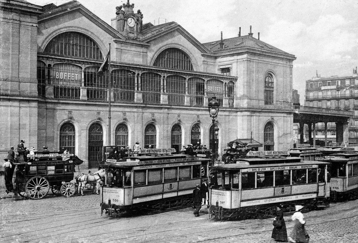 FRANCE - CIRCA 1890:  Paris, the Montparnasse station, about 1900. LL-2193 (13X18).  (Photo by LL/Roger Viollet/Getty Images)