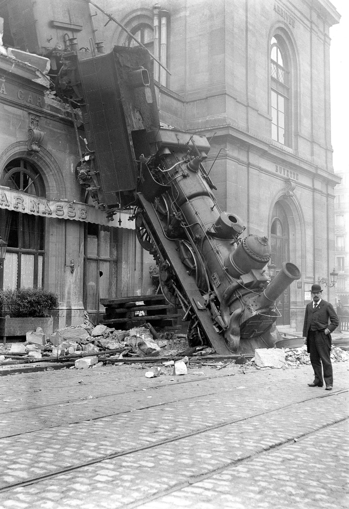 22 Oct 1895, Paris, France --- Accident of the Montparnasse railway station in Paris (France). On October 22, 1895. --- Image by © adoc-photos/Corbis