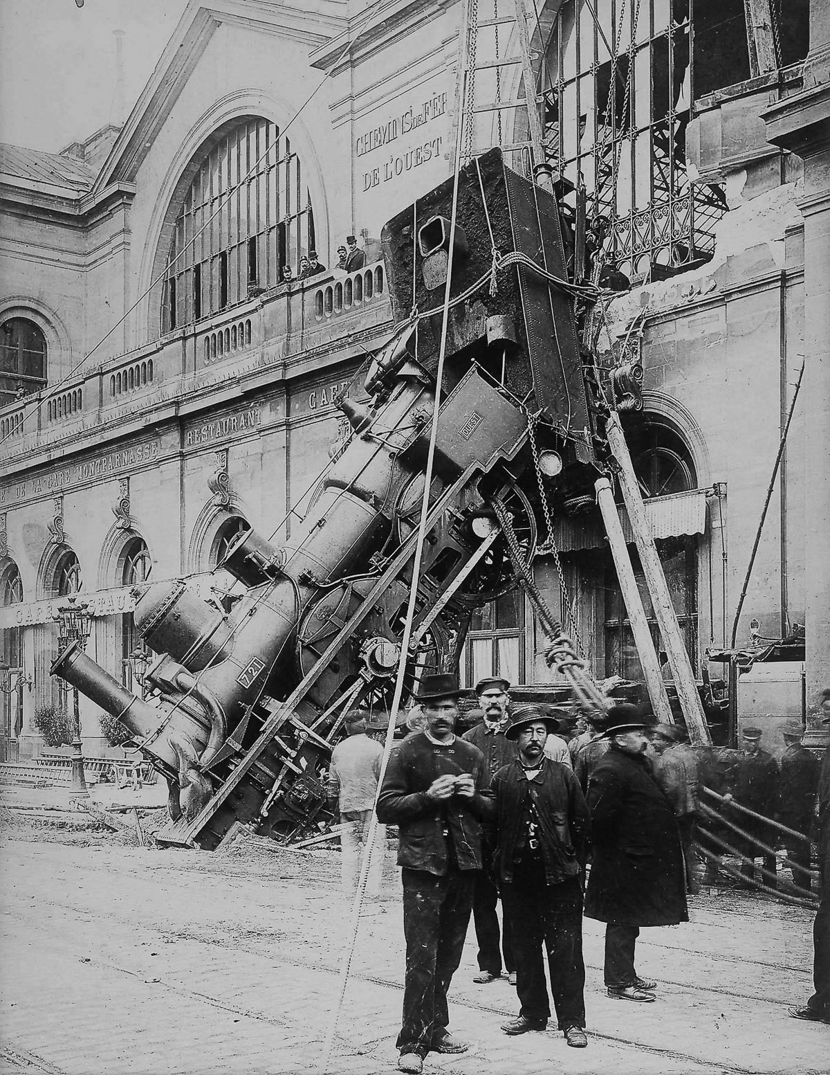 FRANCE - CIRCA 1895:  Train wreck in the Montparnasse station, Paris  (Photo by Unidentified Author/Alinari Archives, Florence/Alinari via Getty Images)