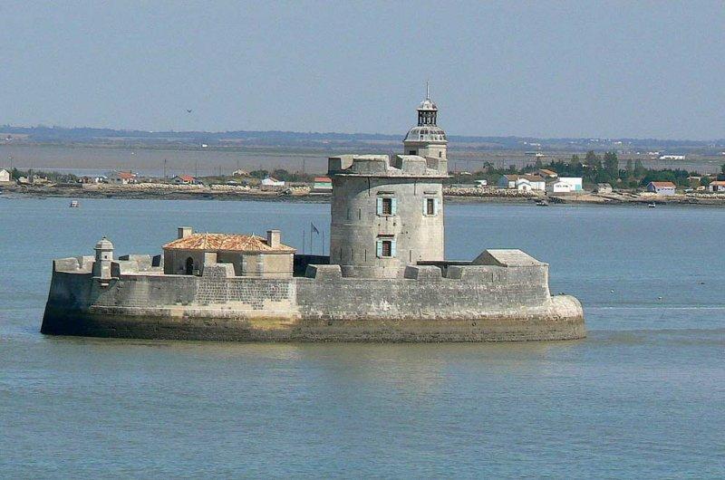 Форт Лувуа, Франция