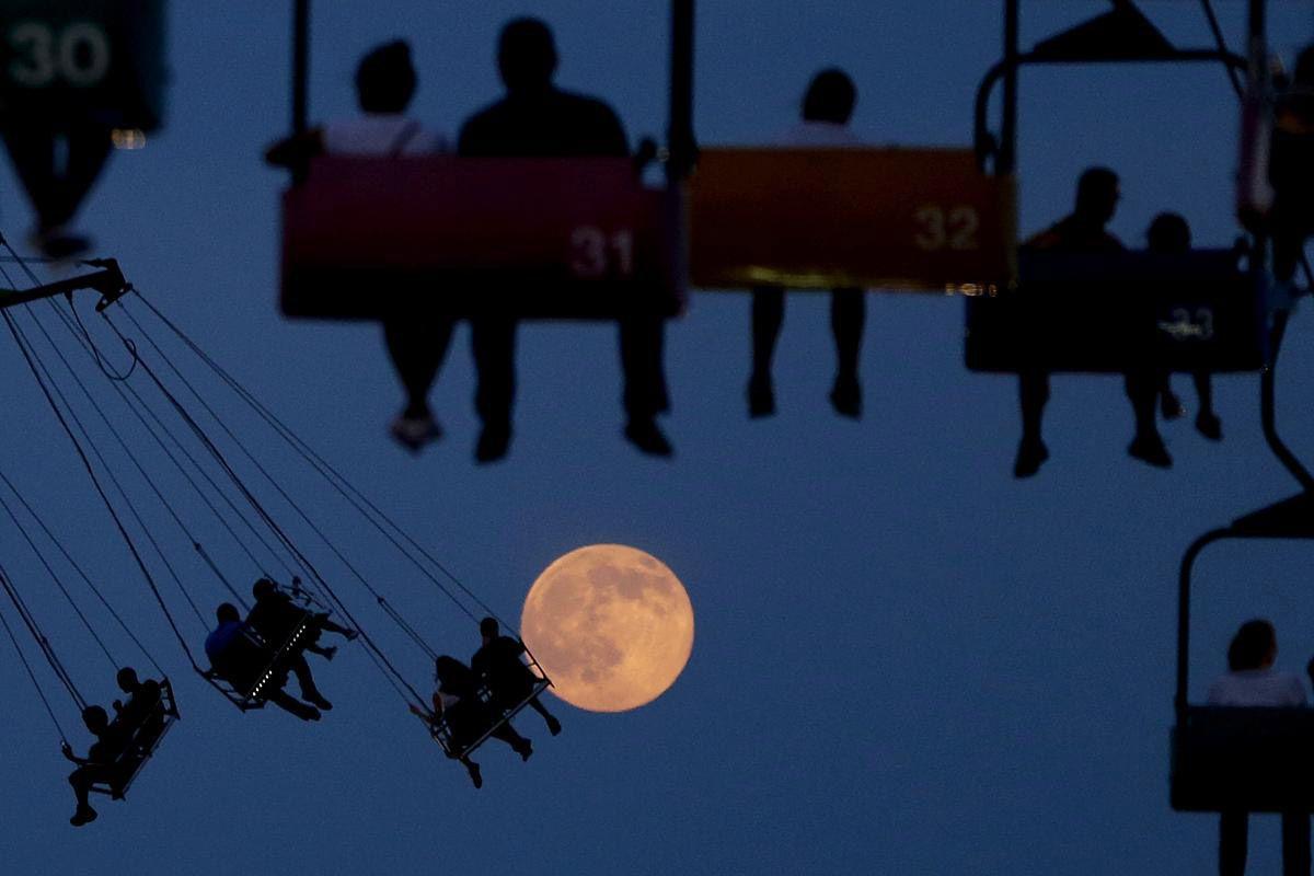 Луна. (Фото: Julio Cortez)