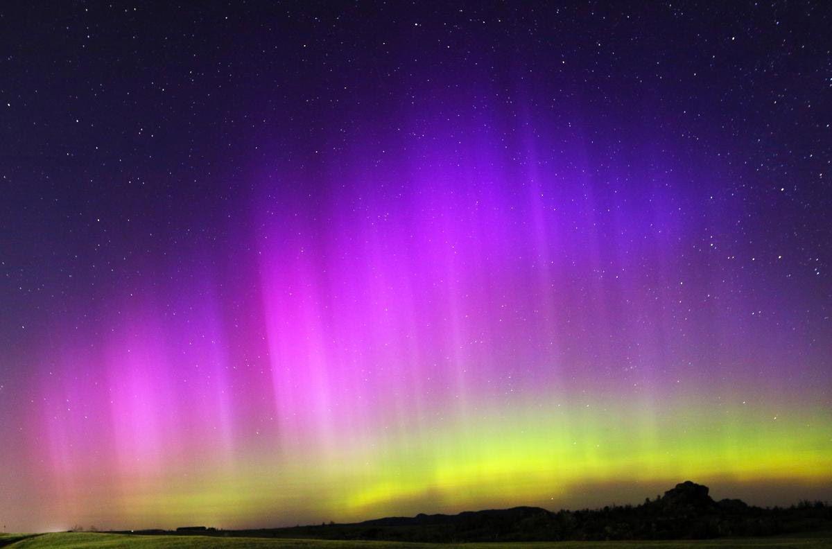 Северное Сияние. Из планет земной группы полярные сияния могут наблюдаться также на Венере и Марсе. (Photo Blaine McCartney)