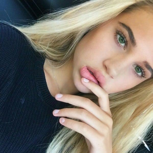 selfie_woman_28