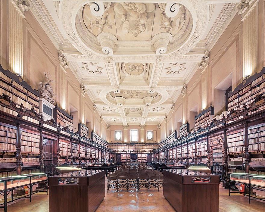 Библиотека Vallicelliana, Рим