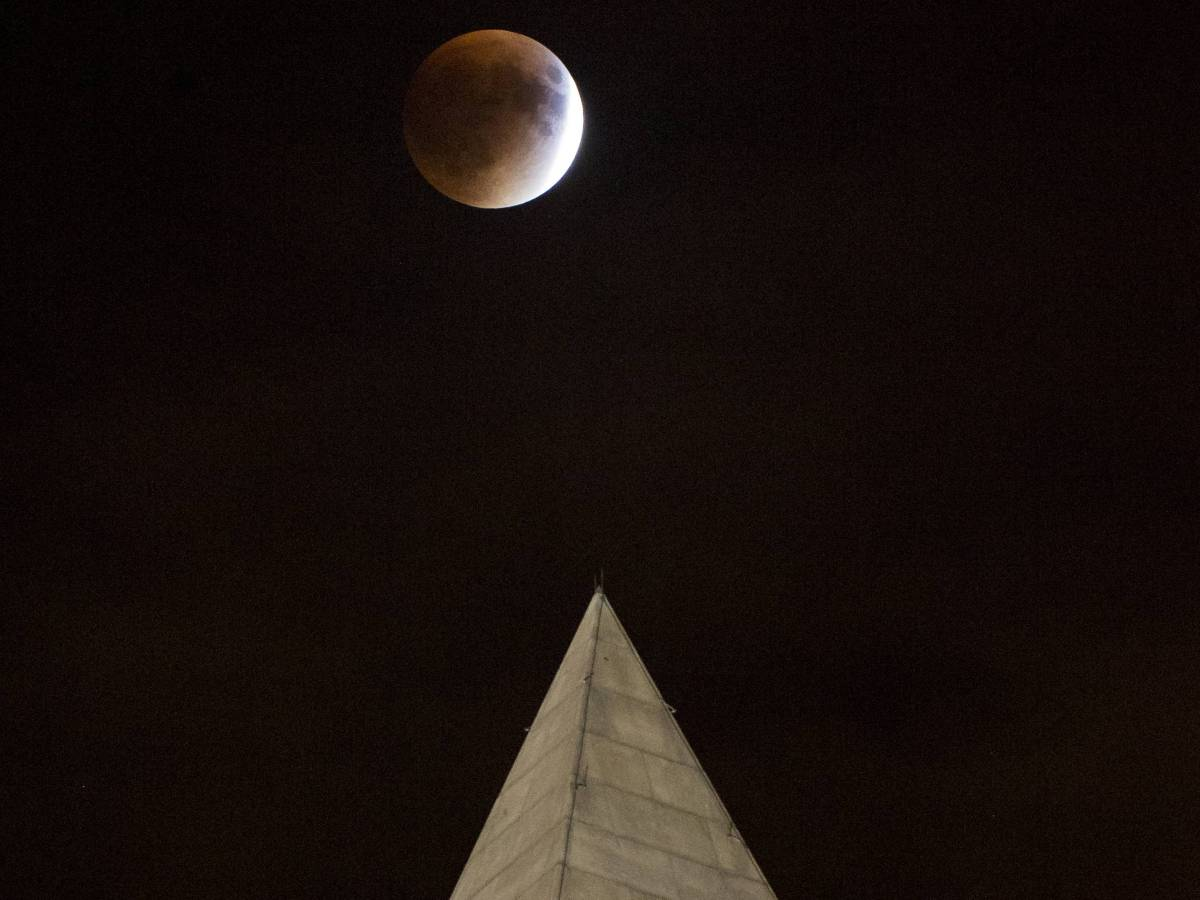 eclipse_of_the_moon_10
