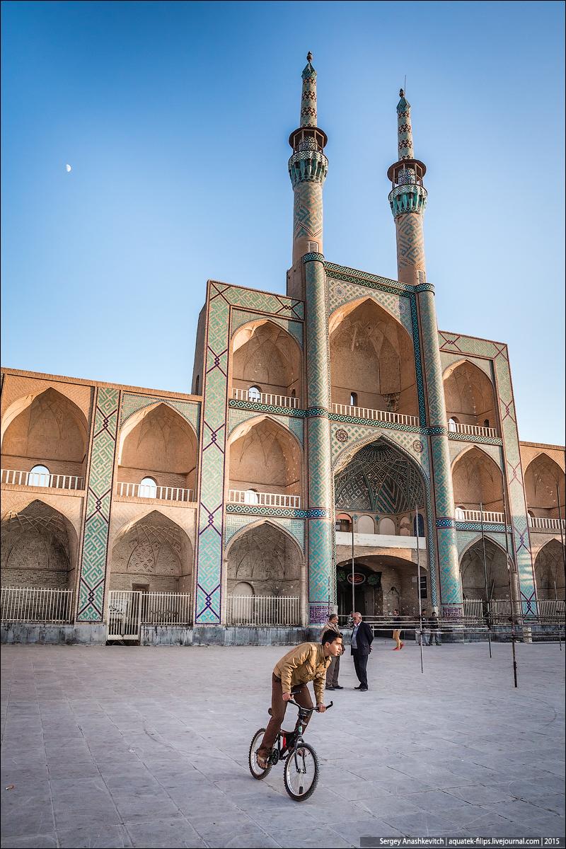 Дорога Исфахан-Йазд, Иран, ноябрь 2015