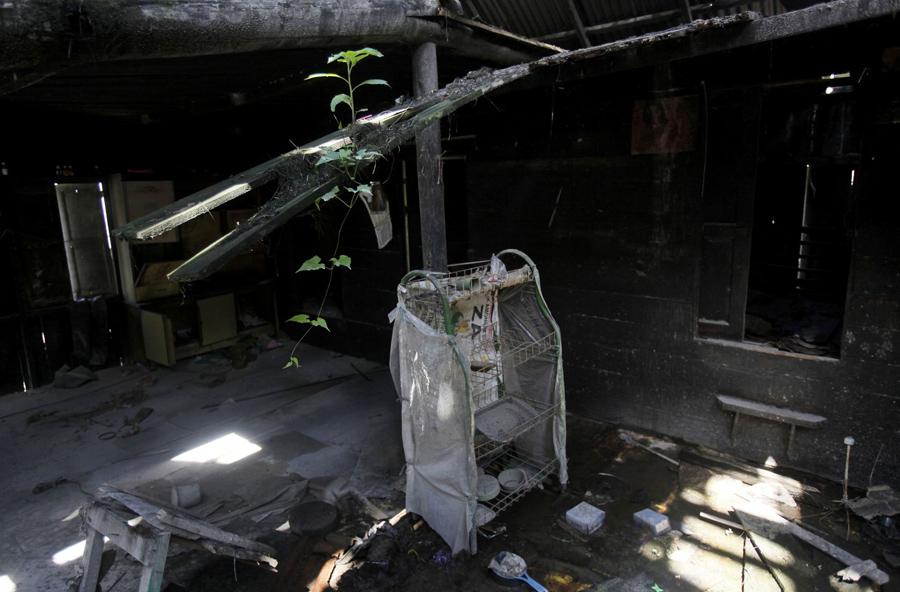 Интерьер заброшенного дома в Индонезии