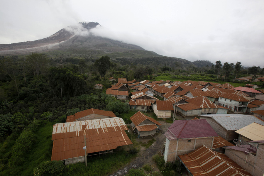 Люди из этой деревни покинули свои дома, в связи с опасностью жизни