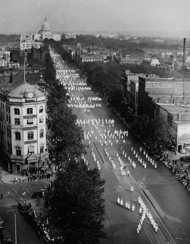 Фотографии «парада ненависти», организованного 13 сентября 1926 года в Вашингтоне
