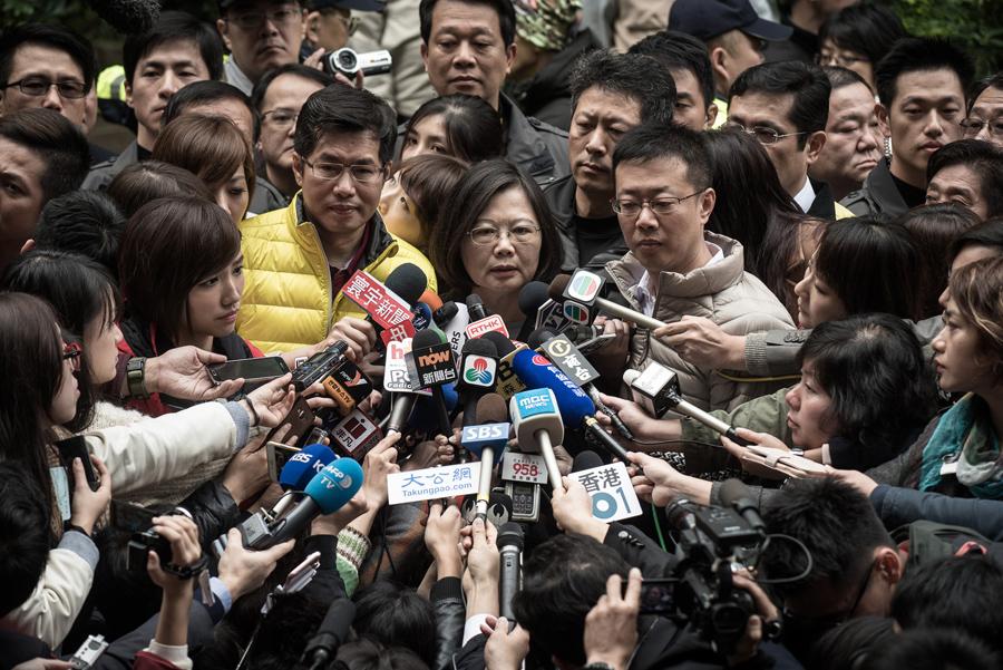Демократическая прогрессивная партия (ДПП) - кандидат в президенты Цай ин-Вэнь (Tsai Ing-wen), 16 января 2016 года. Она победила на выборах, опередив ближайшего кандидата с перевесом в 25 процентов, став первой женщиной-президентом Тайваня.