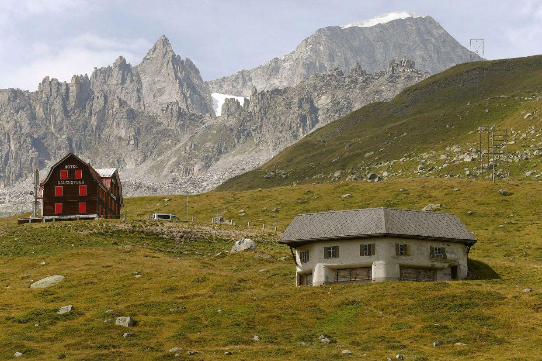 Замаскированный пулеметный дзот у деревни Реальп (Швейцария)