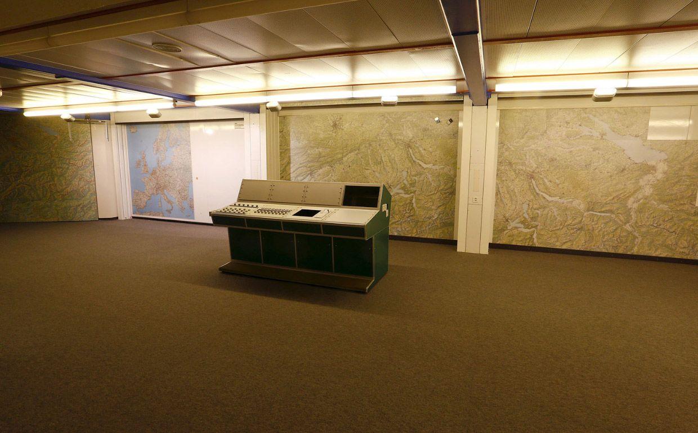 Аттингхаузен муниципалитет в швейцарском кантоне Ури. Есть секретный бункер и командный пункт.