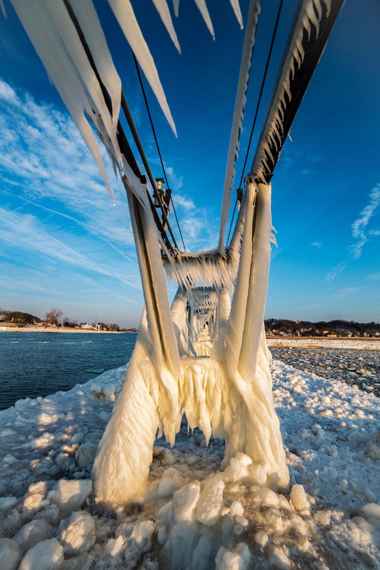 Ледяной пирс.