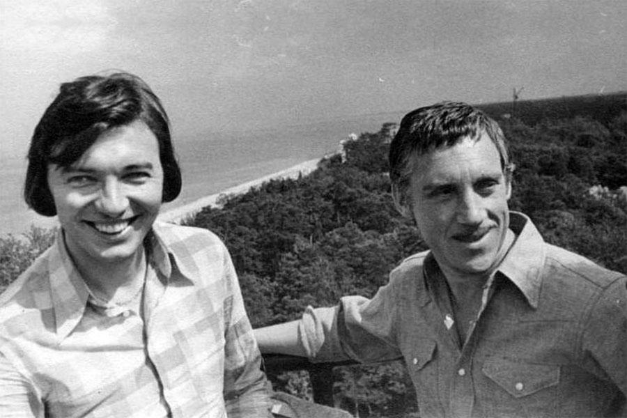 Карел Готт и Владимир Высоцкий в группе Дубулты (Латвия), 6 августа 1972 года.